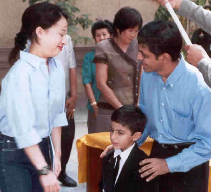 ajay with princess of thailand 1.jpg (72969 bytes)